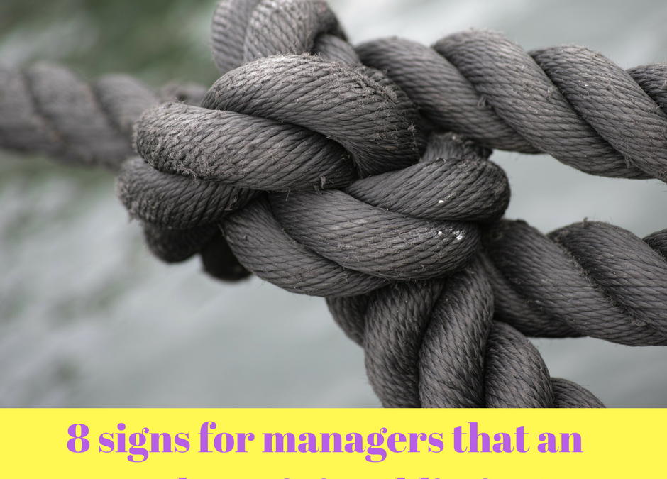 8 signs for managers that an employee is in addiction!